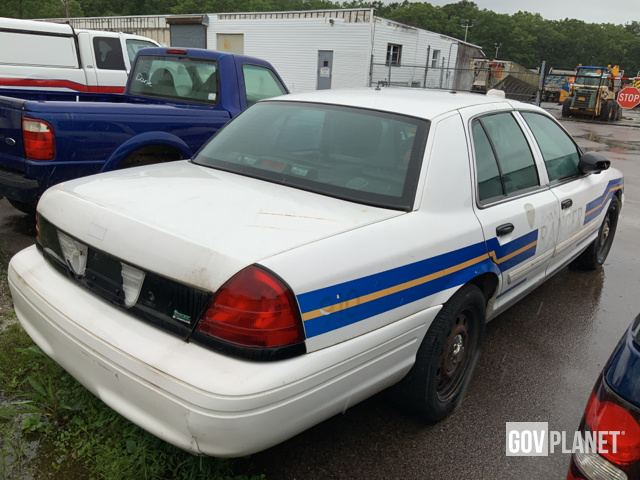 2011 Ford Crown Victoria Sedan in Yaphank, New York, United