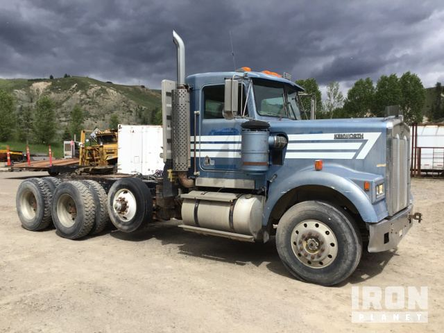 1984 Kenworth W900 Tri/A Day Cab Truck Tractor in Jackson