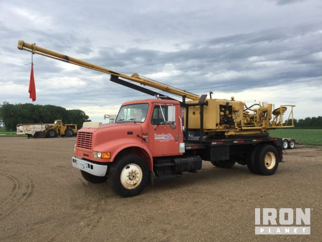 Texoma 254-25 Drill on 1994 International 4900 S/A Truck in