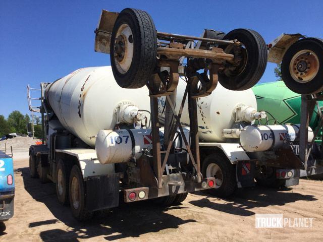 1998 Mack FDM T/A Mixer Truck in Gas, Kansas, United States