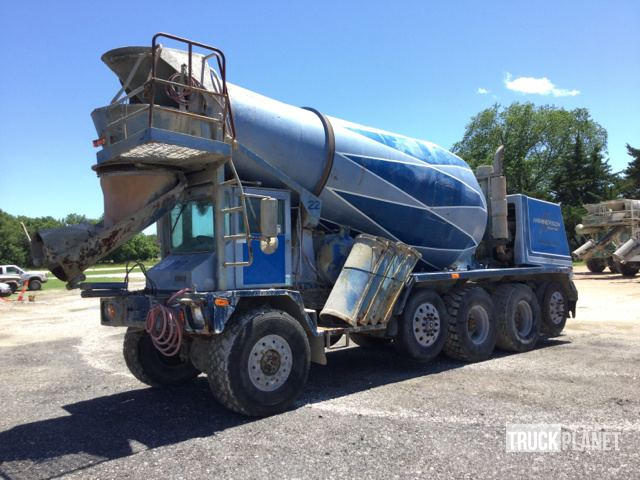 1998 Advance Mixer CL8APT610105 Quad/A Mixer Truck in Gas