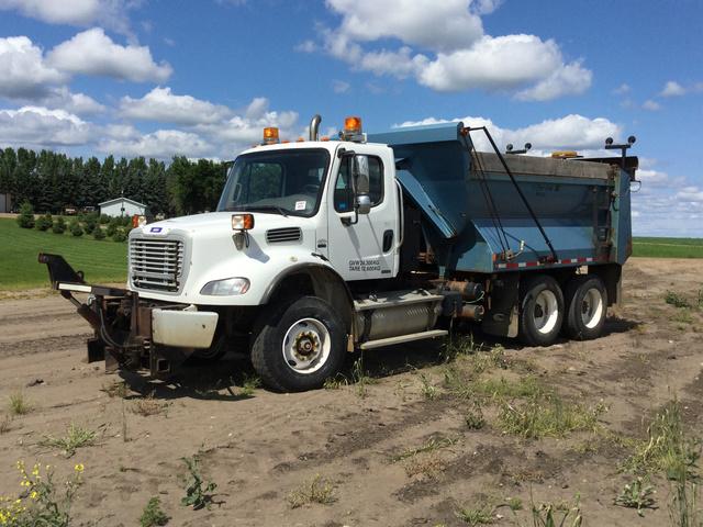 2009 Freightliner M2 112 Snow Plow Truck