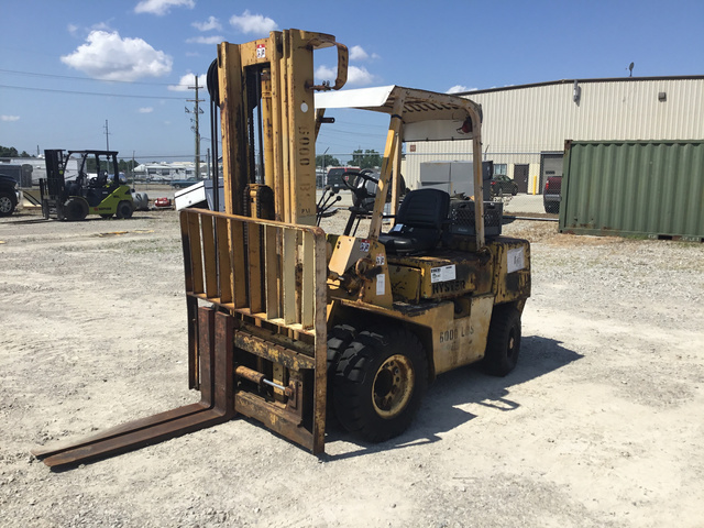 Hyster H60XL Pneumatic Tire Forklift
