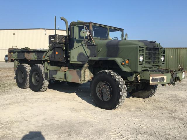 1991 BMY M925A2 5 Ton 6x6 Cargo Truck