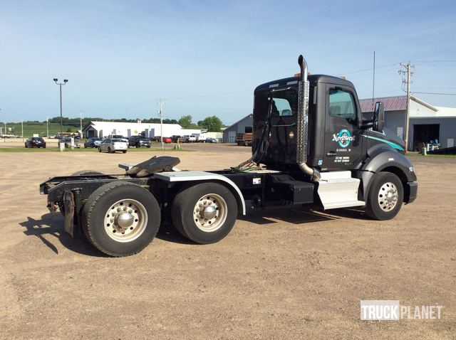 2016 Kenworth T680 T/A Day Cab Truck Tractor