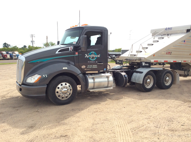 2016 Kenworth T680 T/A Day Cab Truck
