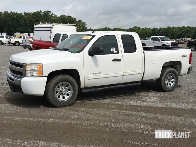 2011 Chevrolet Silverado 1500 Ls 4x4 Extended Cab Pickup In