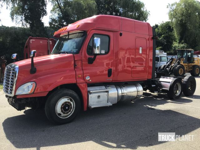 Freightliner Cascadia Overall Length