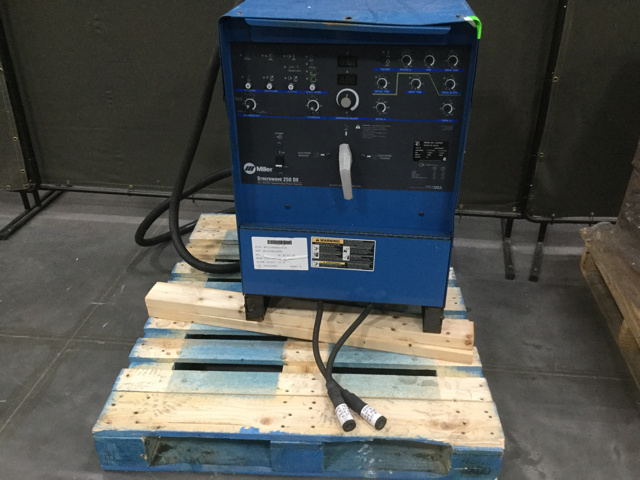 Miller Syncrowave 250DX Electric Welder