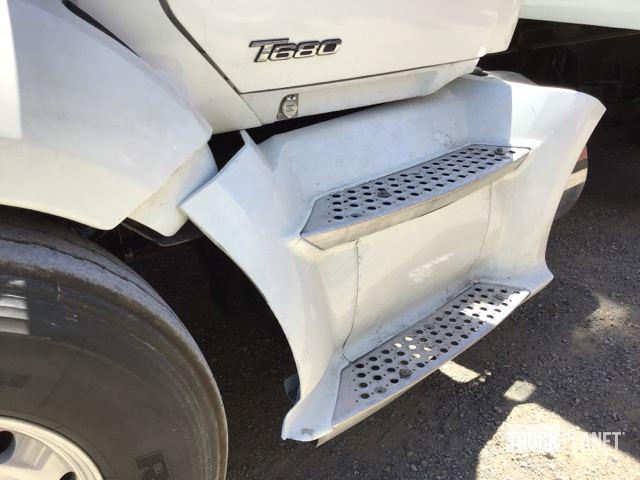 2015 Kenworth T680 Tri/A Dump Truck in Dunnigan, California