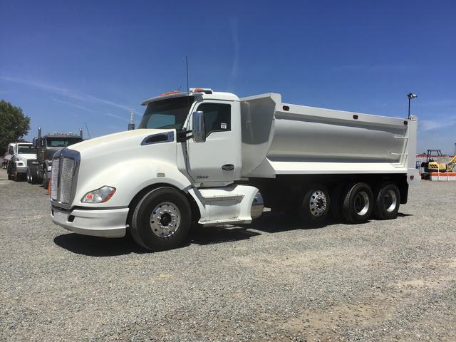 2015 Kenworth T680 Tri/A Dump Truck