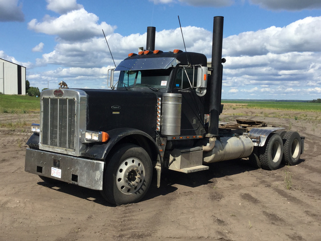 1996 Peterbilt 379 T/A Day Cab Truck Tractor