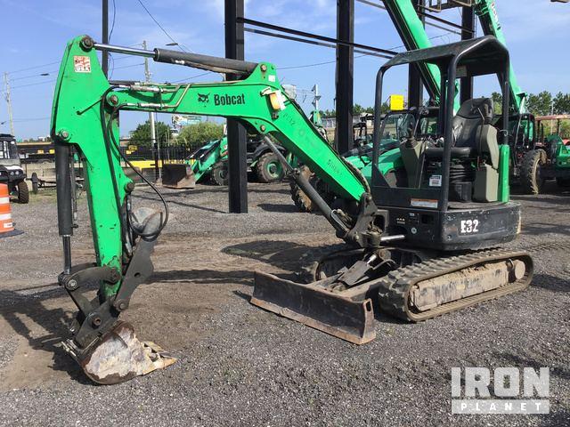 2013 Bobcat E32M Mini Excavator in Orlando, Florida, United States