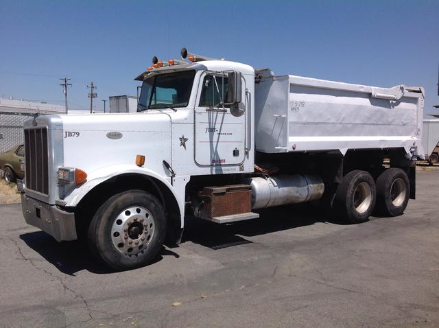 1999 Peterbilt 379 T/A Dump Truck
