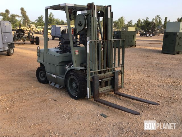 Hyster H40XM Pneumatic Tire Forklift