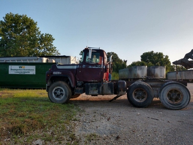 1976 Mack R686ST T/A Day Cab Truck Tractor