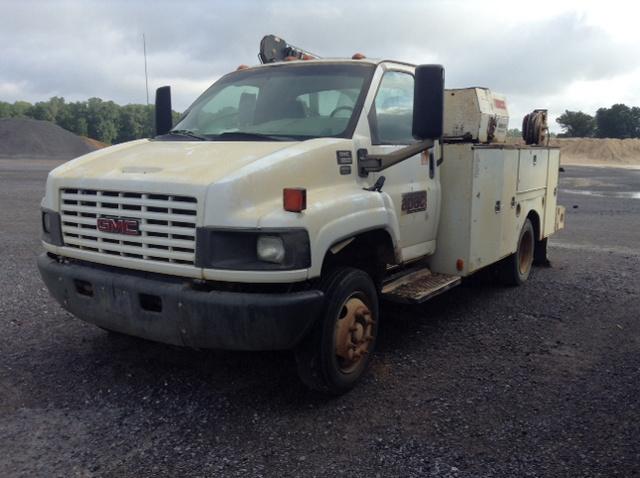 2007 GMC 5500 S/A Service Truck w/ Crane