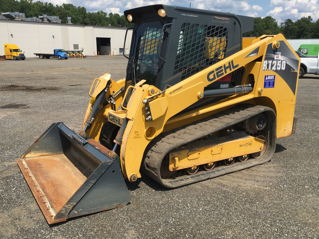 2014 Gehl RT250 Compact Track Loader