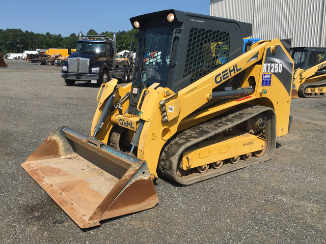 2015 Gehl RT250 Compact Track Loader