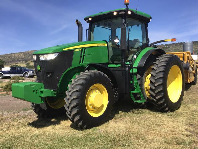 2012 John Deere 7200R 4WD Tractor