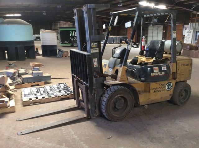 Cat GP30K Pneumatic Tire Forklift