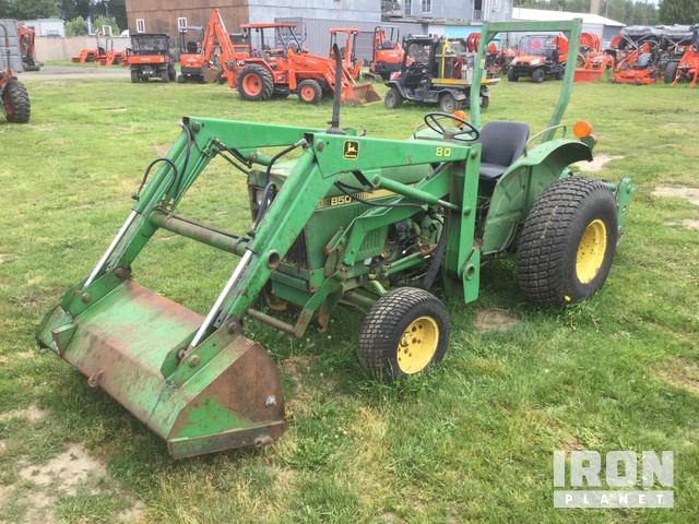 John Deere 850 2WD Tractor in Puyallup, Washington, United