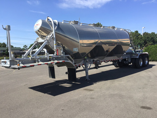 Pneumatic Bulk Trailers For Sale | IronPlanet