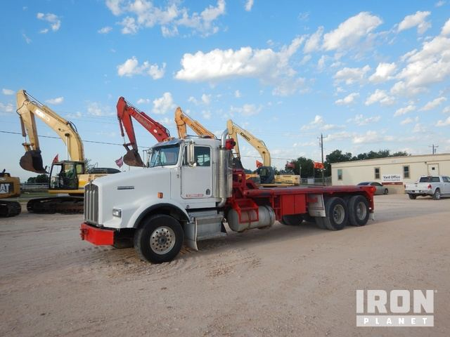 1997 Kenworth T800 T/A Bed Truck in Midland, Texas, United