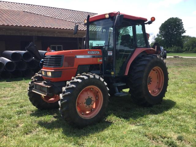 Kubota M9000 4WD Tractor