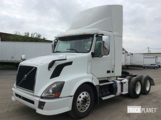 Surplus 2012 Volvo VNL T/A Day Cab Truck Tractor in North