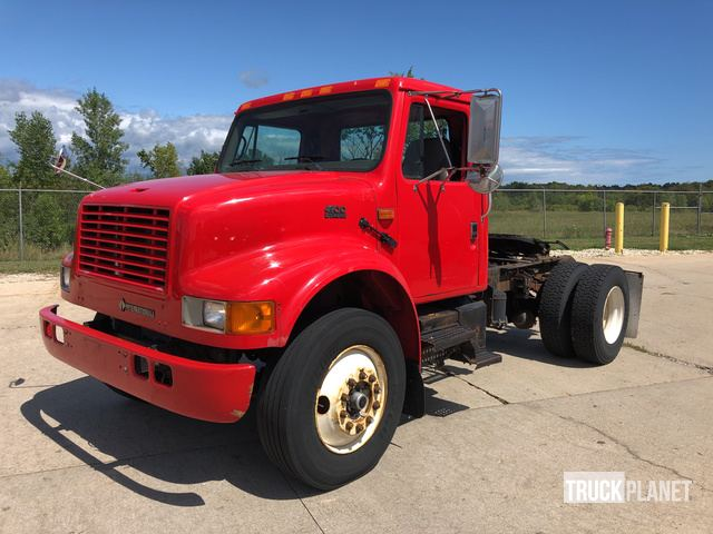 2002 International 4900 S/A Day Cab Truck Tractor in