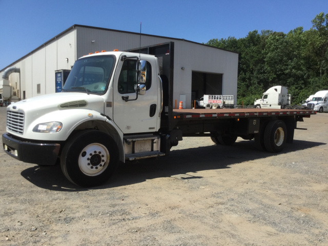 2012 Freightliner M2 106 S/A Flatbed