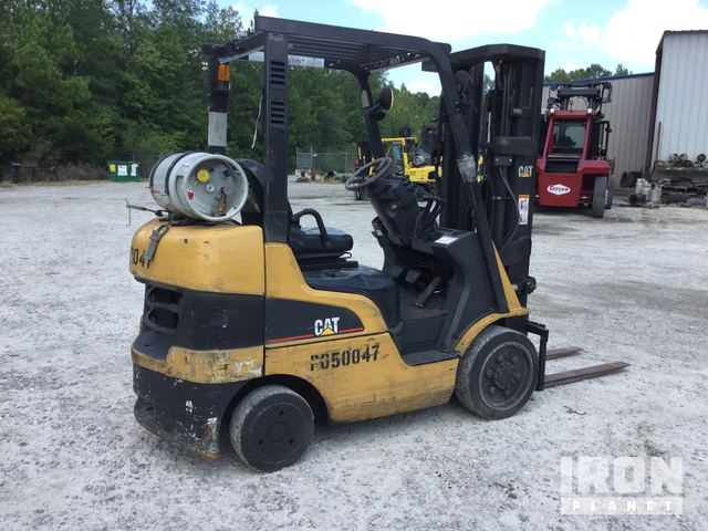 Cat C5000 Cushion Tire Forklift in Hardeeville, South