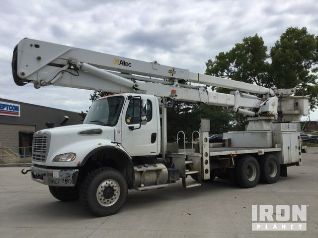 Altec AH100 Bucket on 2009 Freightliner M2 T/A Truck, Bucket Truck