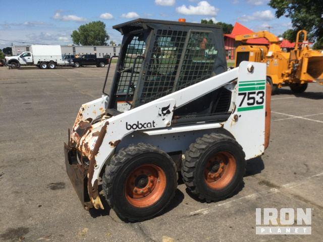 Bobcat 753 Skid-Steer Loader in Burnsville, Minnesota