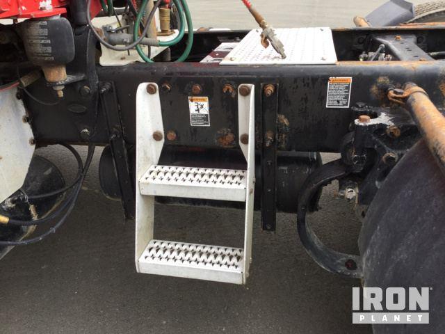 2012 Peterbilt 384 T/A Sleeper Truck Tractor