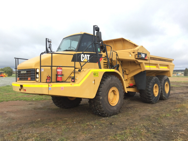 2007 (Unverified) Cat 740 Articulated Ejector Truck