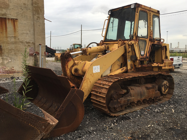 Crawler Loaders For Sale | IronPlanet