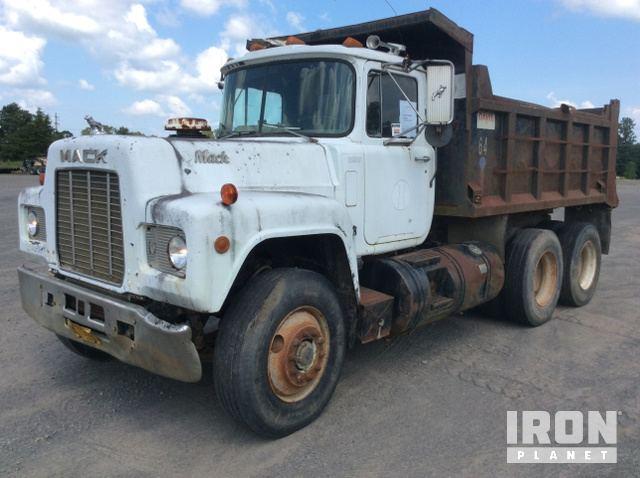 1989 Mack R688ST T/A Dump Truck in Quitman, Arkansas, United