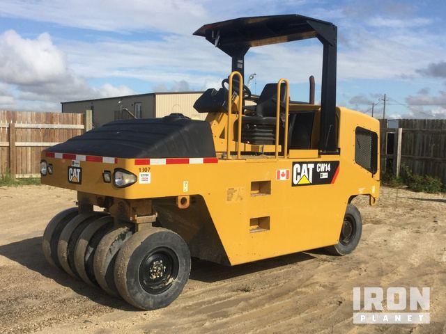 2013 Cat CW14 Pneumatic Roller, Roller