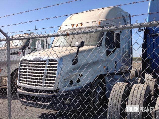Freightliner Cascadia 125 (2011) Truck Tractor - Sleeper