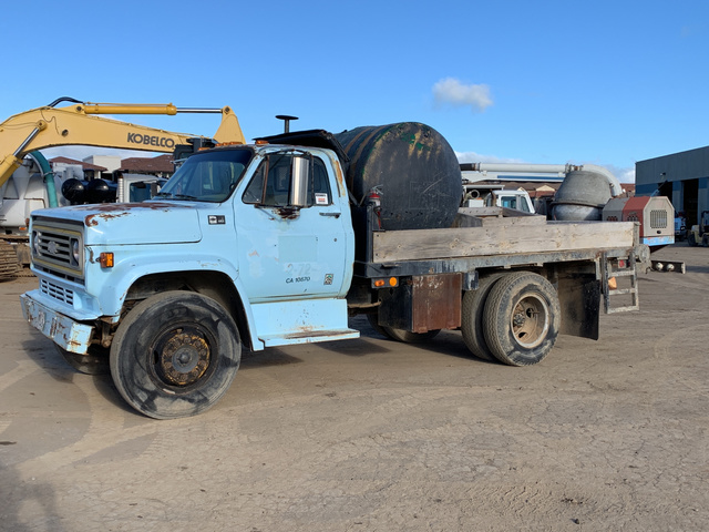 1984 Chevrolet C60 S/A Flatbed Truck