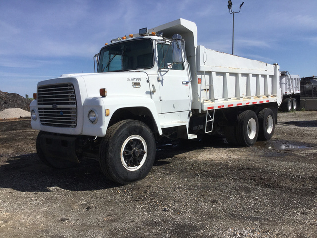 1990 Ford LT9000 T/A Dump Truck