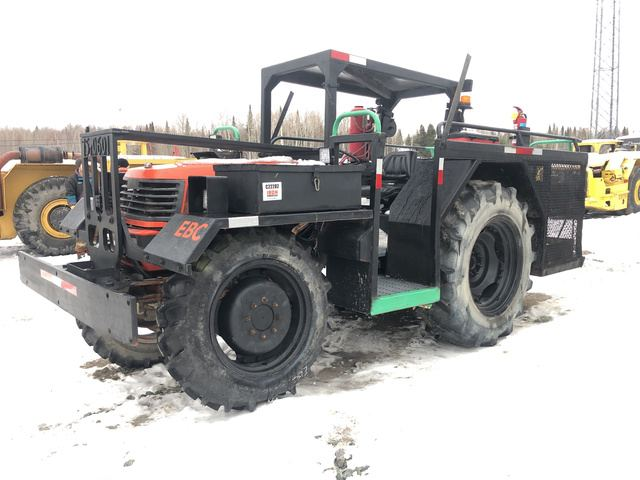 2006 Kubota M9000 DT1 4WD Tractor, MFWD Tractor