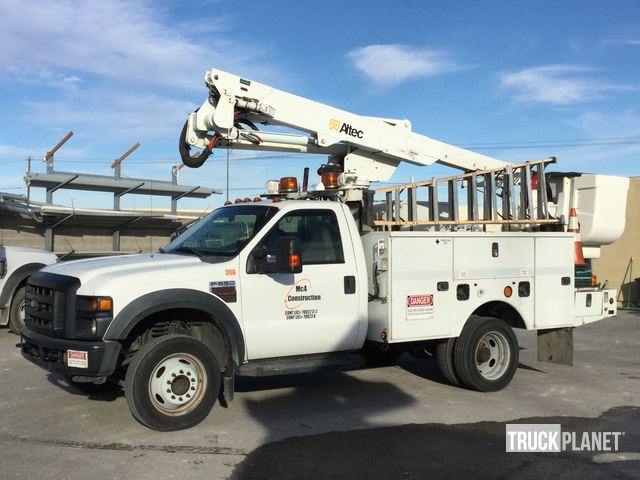 Altec AT37-G Bucket on 2008 Ford F-550 XL Super Duty S/A Truck, Bucket Truck