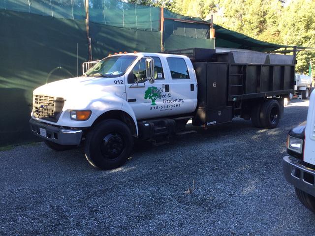 2000 Ford F-750 Super Duty S/A Dump Truck
