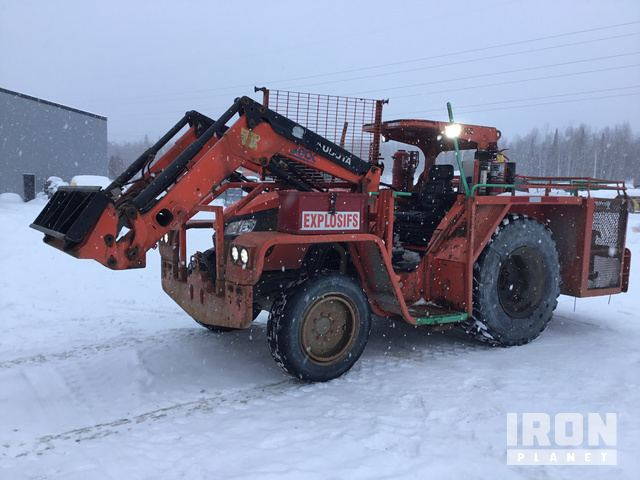 Kubota M9960D Utility Tractor, MFWD Tractor