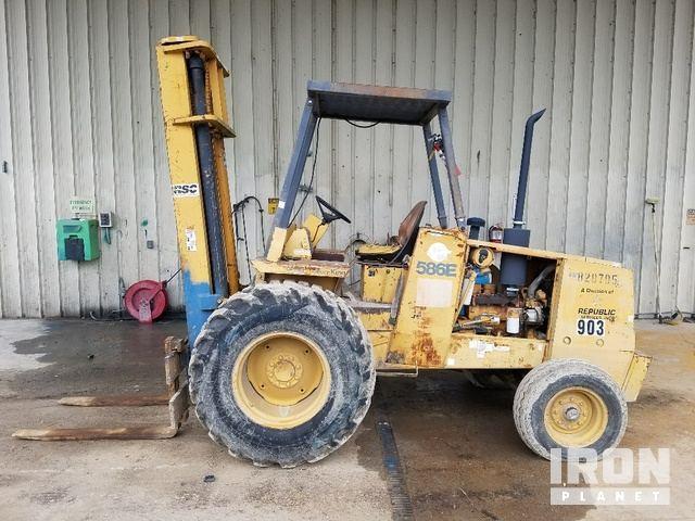 Case 585E Rough Terrain Forklift, Rough Terrain Forklift