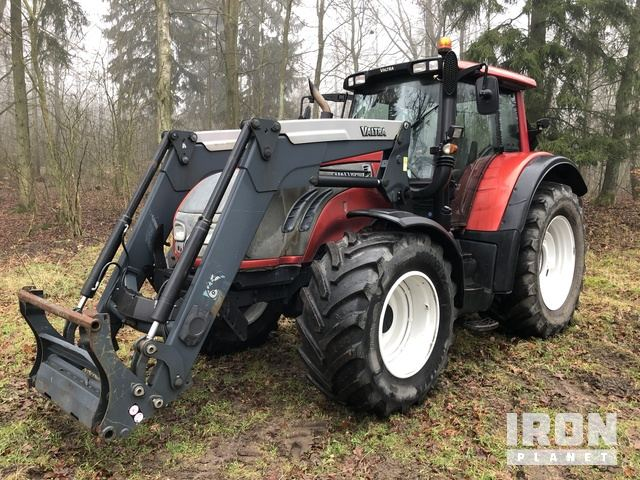 2010 Valtra T152 4WD Tractor, MFWD Tractor