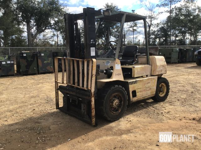 Hyster H70XL Pneumatic Tire Forklift, Forklift